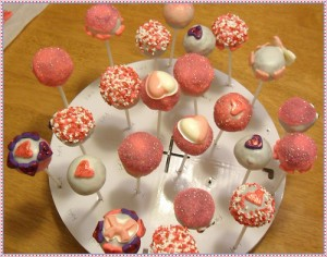 pink white heart wedding cake pops perfect valentines day wedding favor